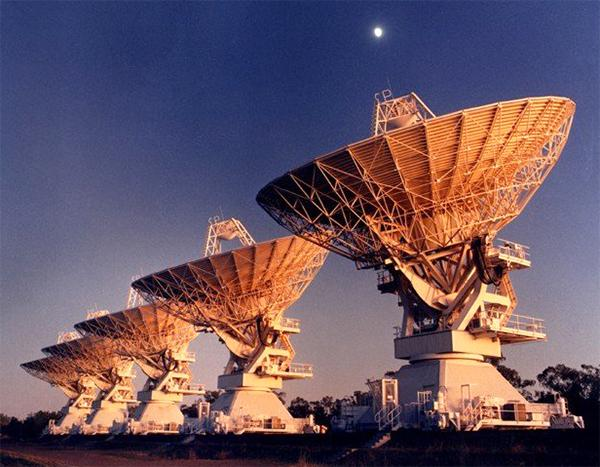 Антенны массива Australia Telescope Compact Array (фото CSIRO).